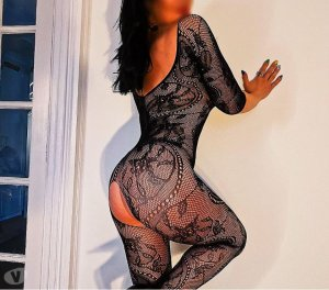 Sabrine thick escorts in Clinton, IA