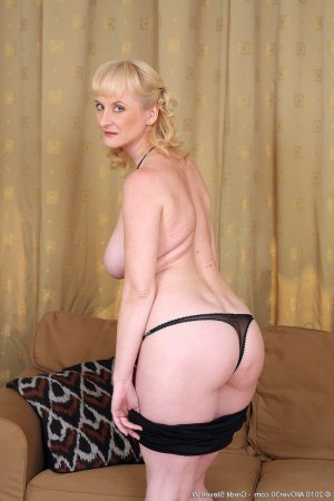 Liseline female escort girl in Crestwood, MO